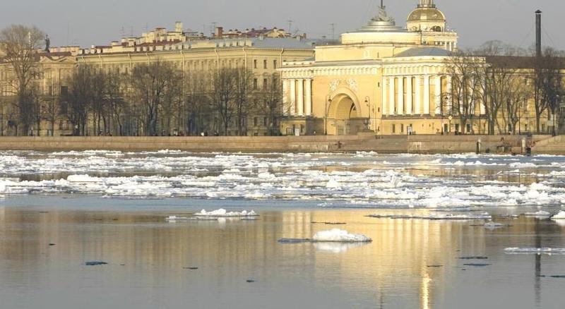 Pogostite.ru - Соло на Адмиралтейской | Санкт-Петербург | С завтраком | Парковка#24
