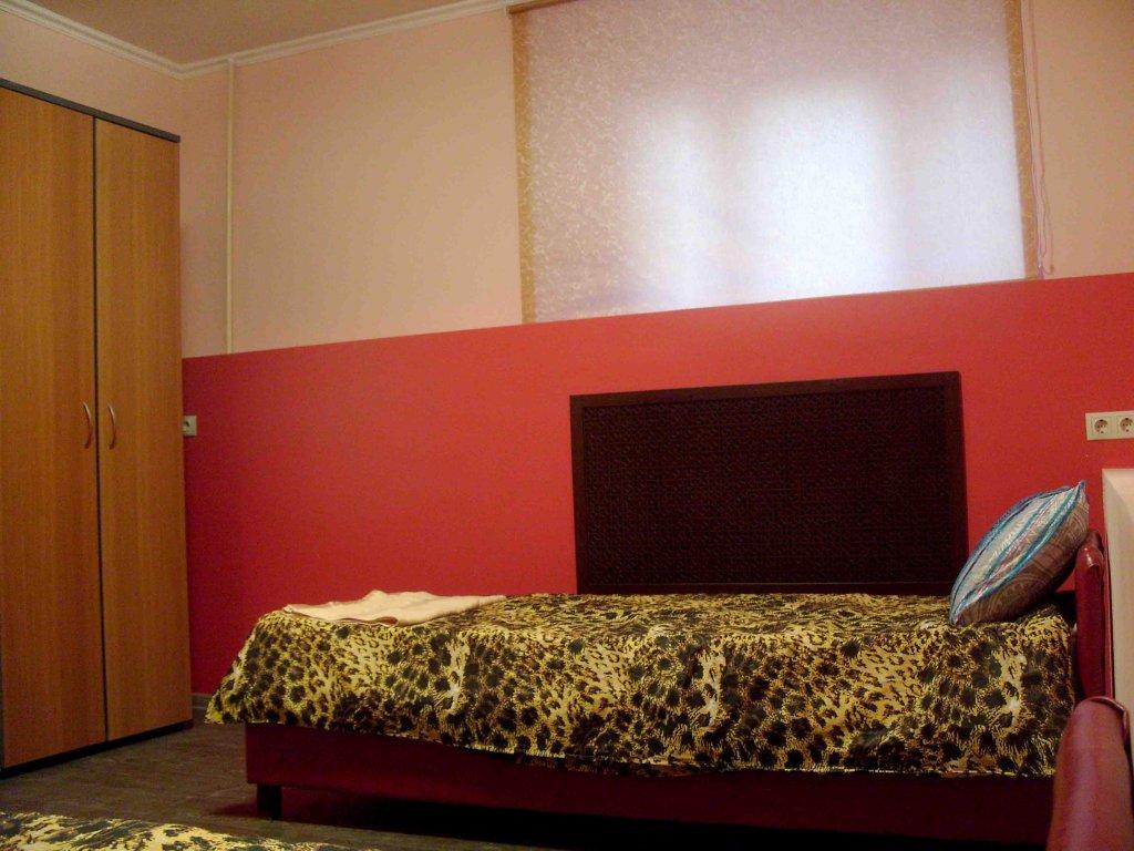 Отель Бризаль Номера с общей ванной комнатой