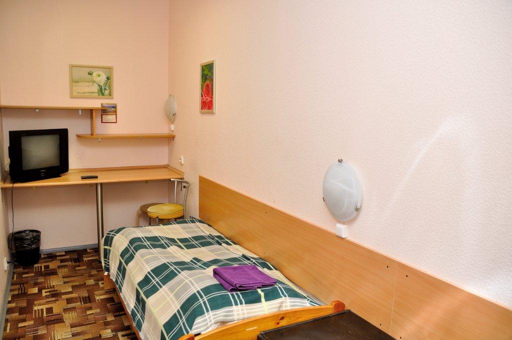 Хостел Греческий-15 Номера с общей ванной комнатой