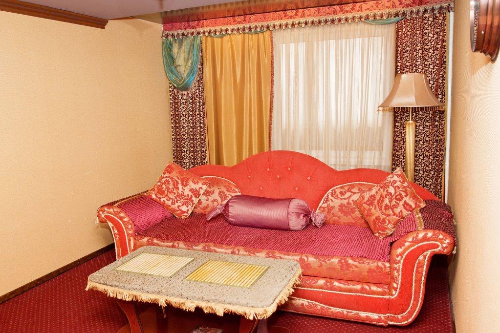 Апартаменты Holiday House Апартаменты Премиум