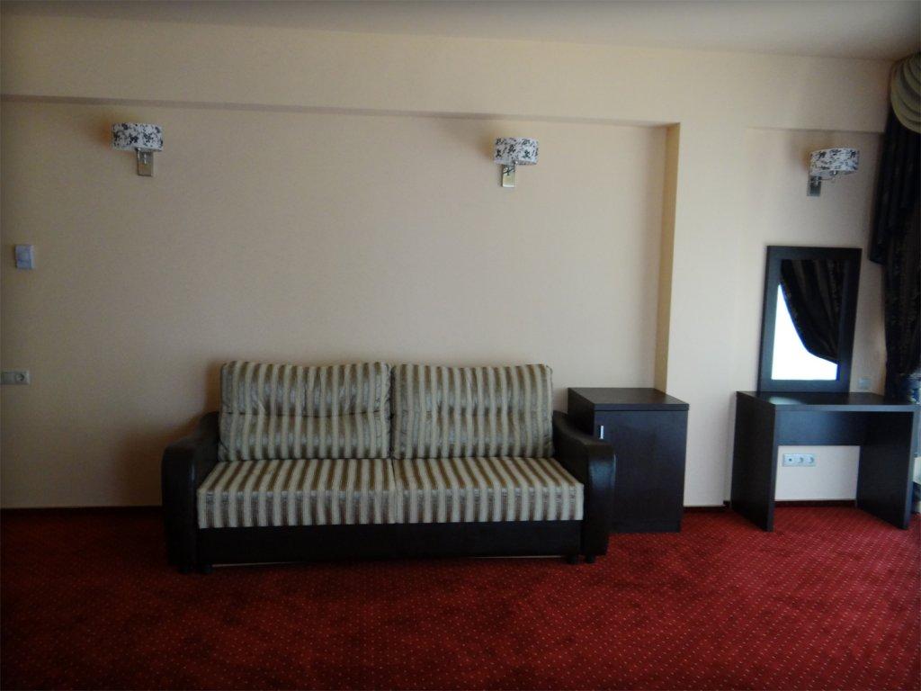 Отель Лазурь Полулюксы