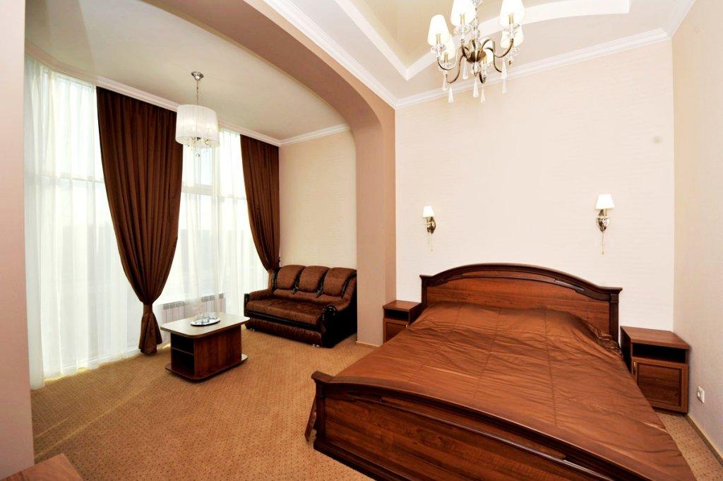 Отель Кристалл Полулюксы