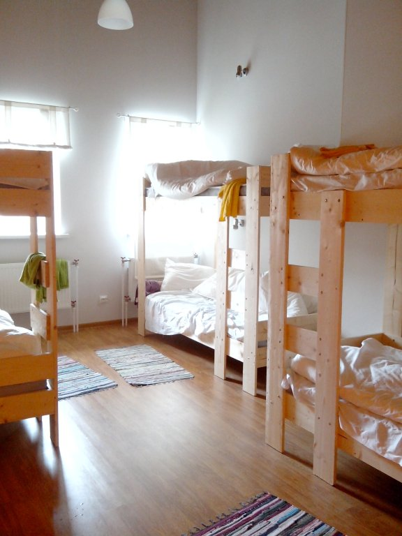 Хостел Mozaika Кровати в общем номере
