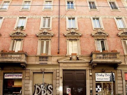 B&B Lamarmora18, Милан
