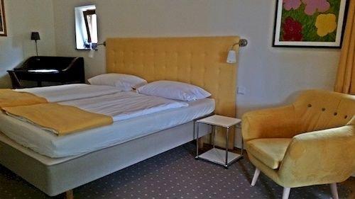 Hotel Pension Villa Hennes, Пирна