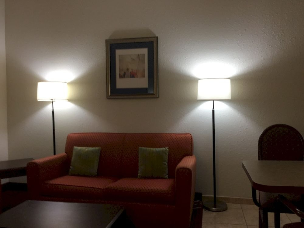 Best Quality Inn and Suites, Зефирхиллс