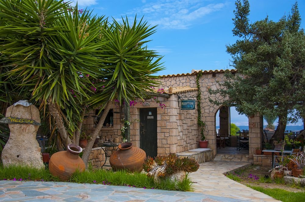 Коммерческая недвижимость в остров Эгина недорого