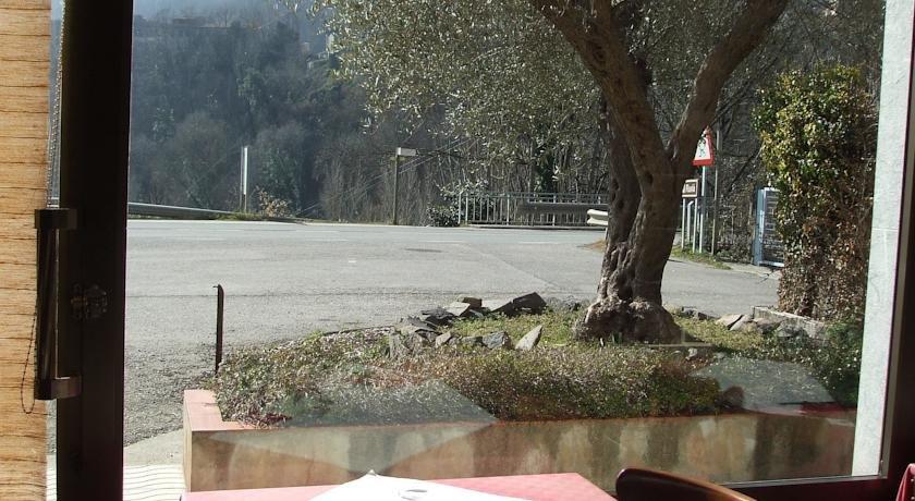 Hostal Mont-Rock, Сегуеро