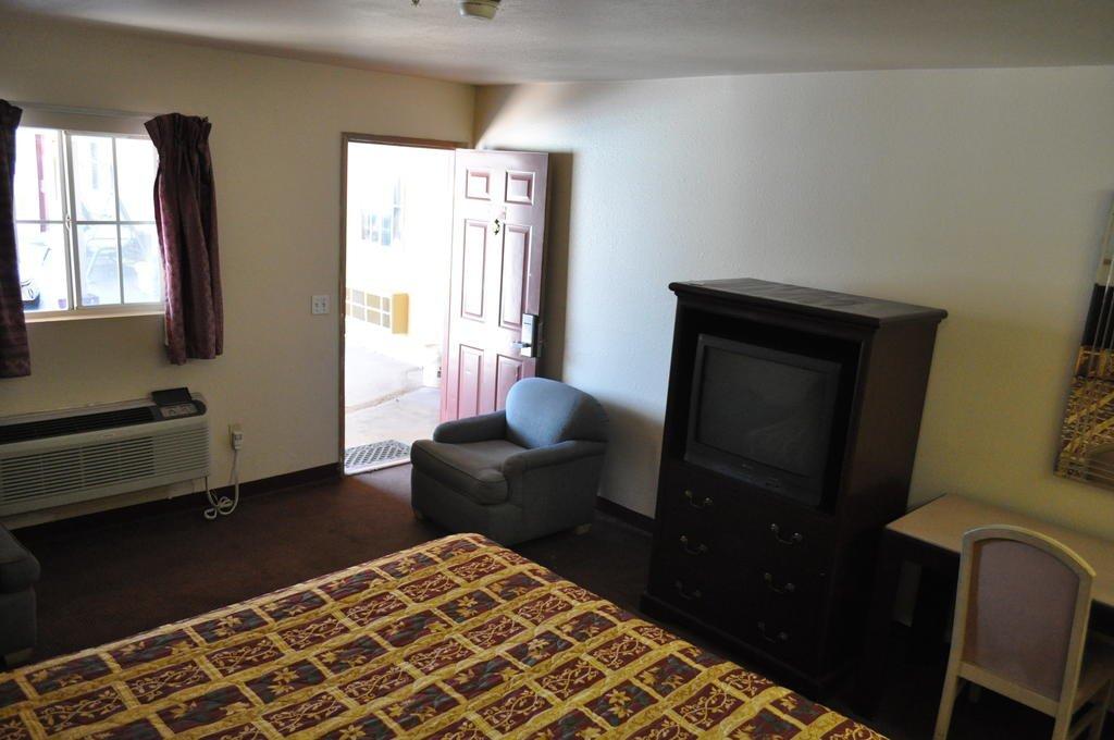 California Suites Motel Стандартные номера