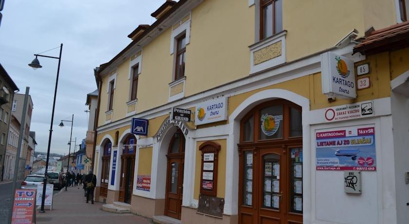 Penzión Grand, Подбрезова