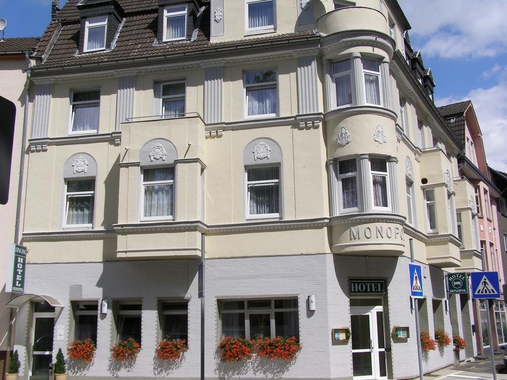 Hotel Monopol, Хильден