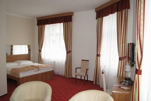 Hotel Grand, Градец-Кралове