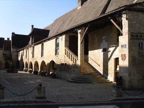Hôtel Le P'tit Monde, Монтиньяк