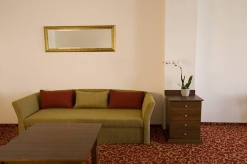 Hotel U Zlatého kohouta, Кромериц