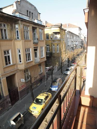 Belchev Downtown Apartment, София
