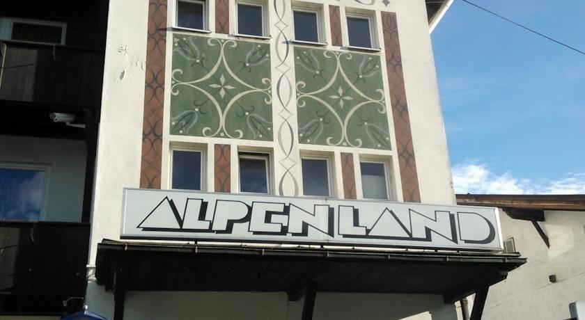 Hotel Alpenland, Уоттенс