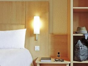 Отель Ibis Paris Berthier Porte de Clichy 3*. Номер