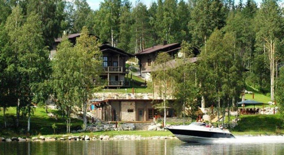Tahko spa hotel enjoys a central location in tahko, only 300 metres from lake syv0e4ri