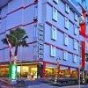 Отель d'Season Hotel в Сурабае