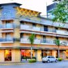 Отель Plaza в Колоне