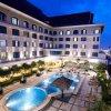 Отель Grand Jatra Hotel Pekanbaru в Паканбару