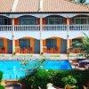 Отель Cape Point Hotel в Бакау