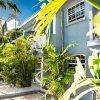 Отель Travellers Palm в Хоултауне
