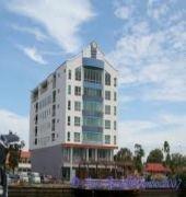Отель Plaza Sutera Biru Hotel в Куала-Белайте