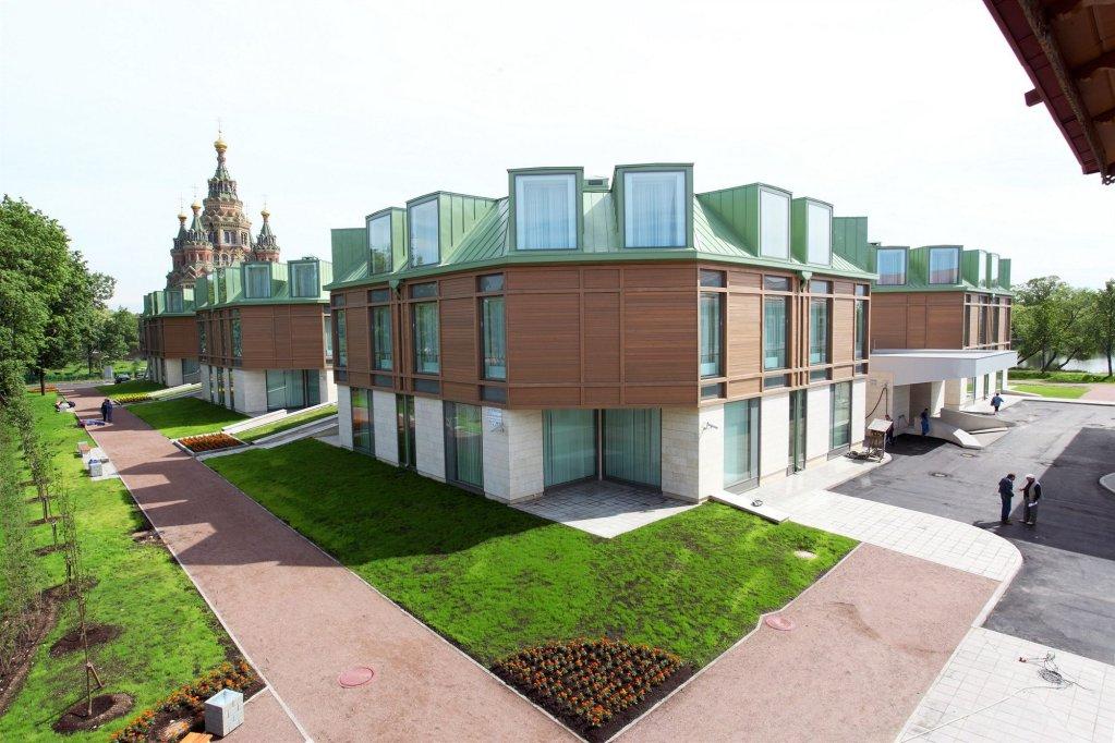 New Peterhof Hotel