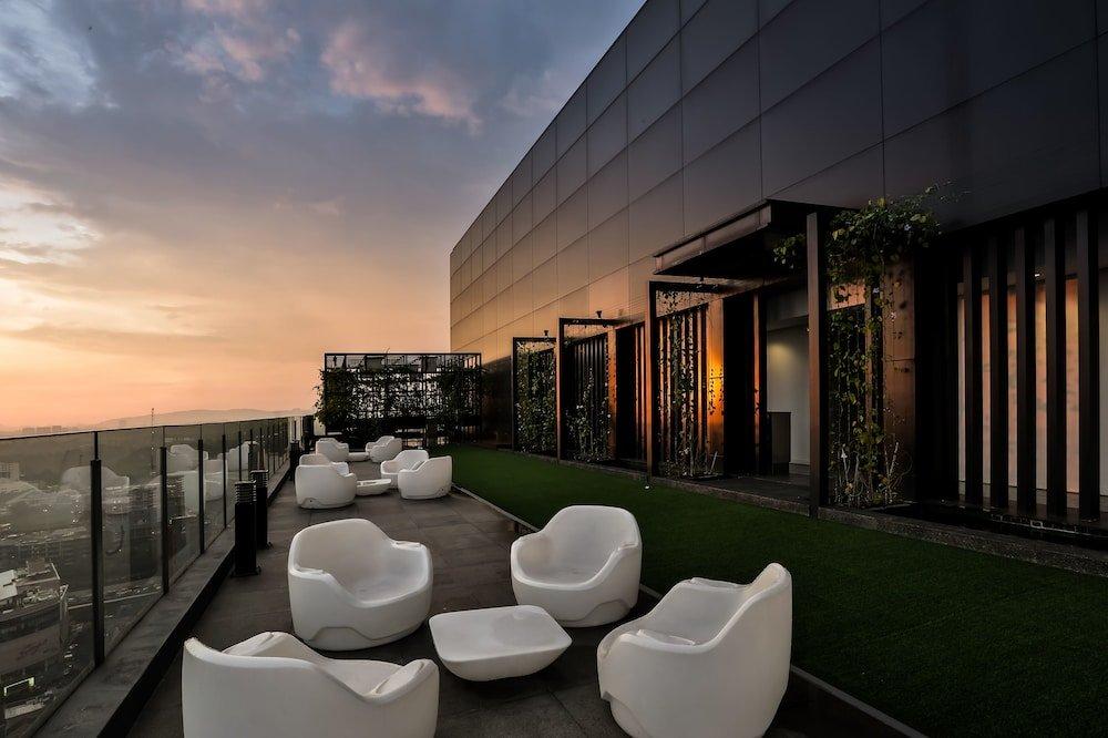год ресторан на крыше куала лумпур фото картинка днем