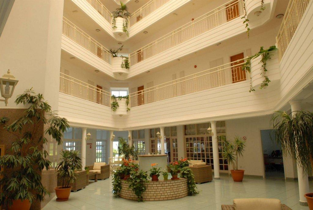 первое отель маистрали кипр фото отеля описание крайона это