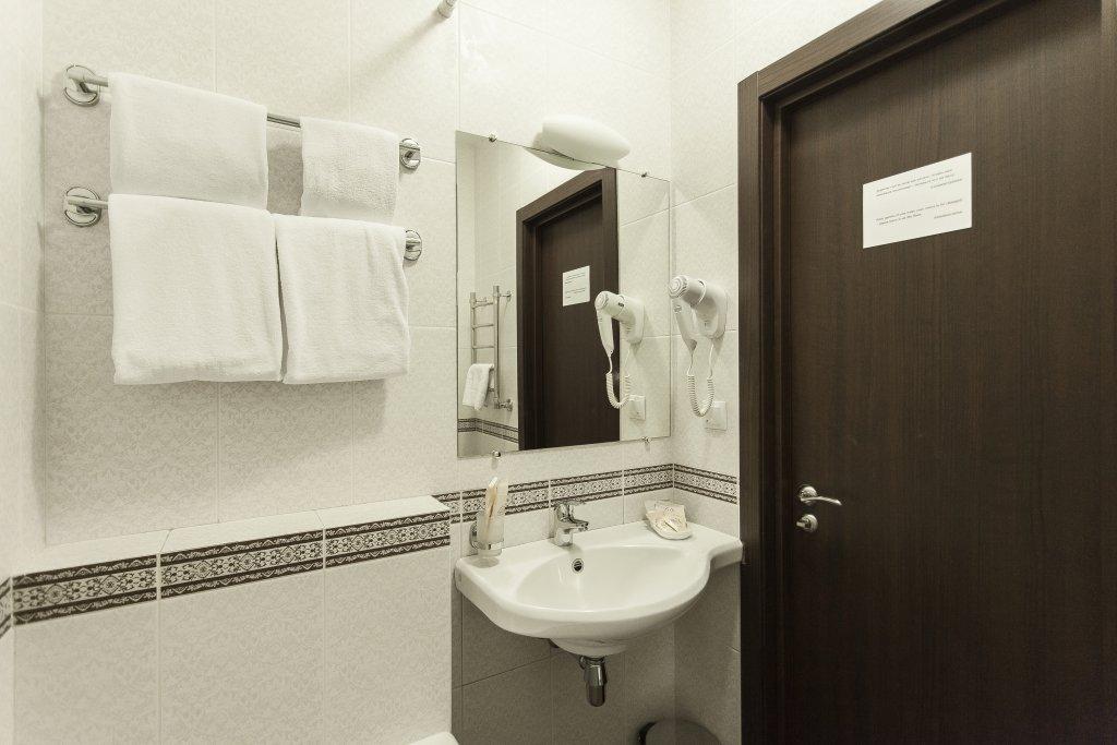 Dom u Ermitazha Apartments