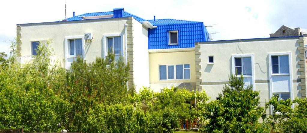 Golubaya Buhta Guest House