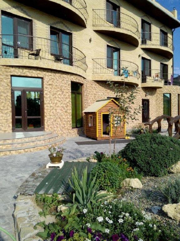 Izumrudnyij Guest House
