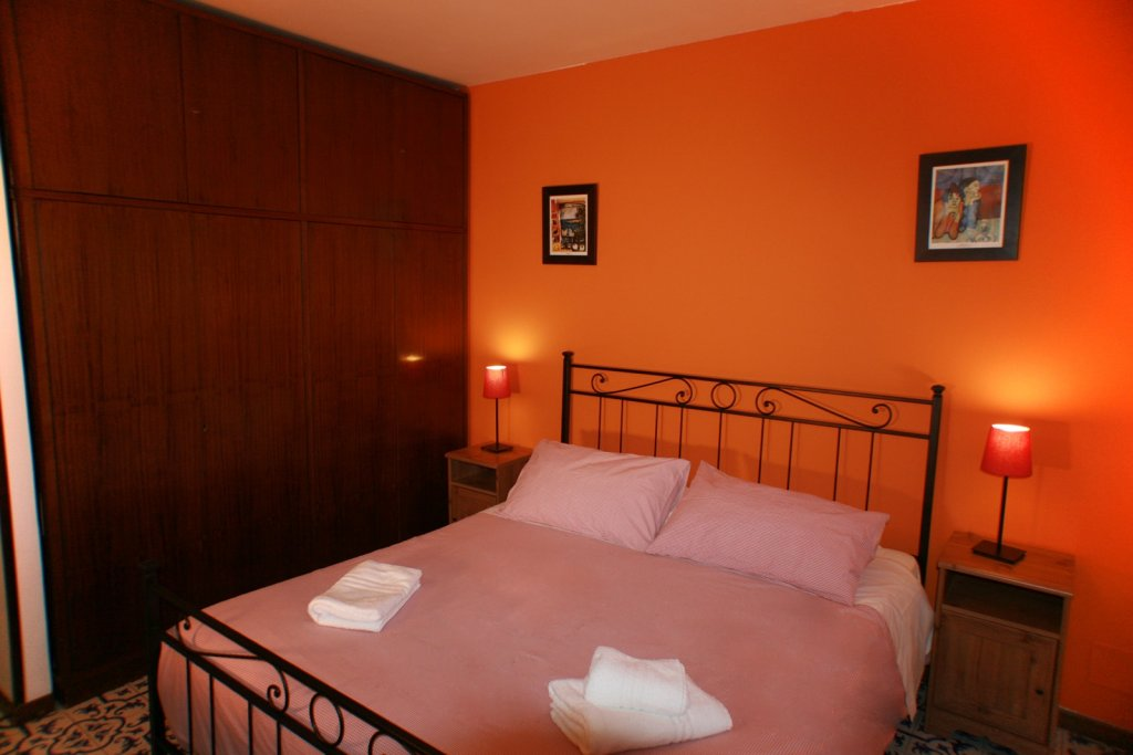 Book Macao Rooms Guest House In Rome Right Now