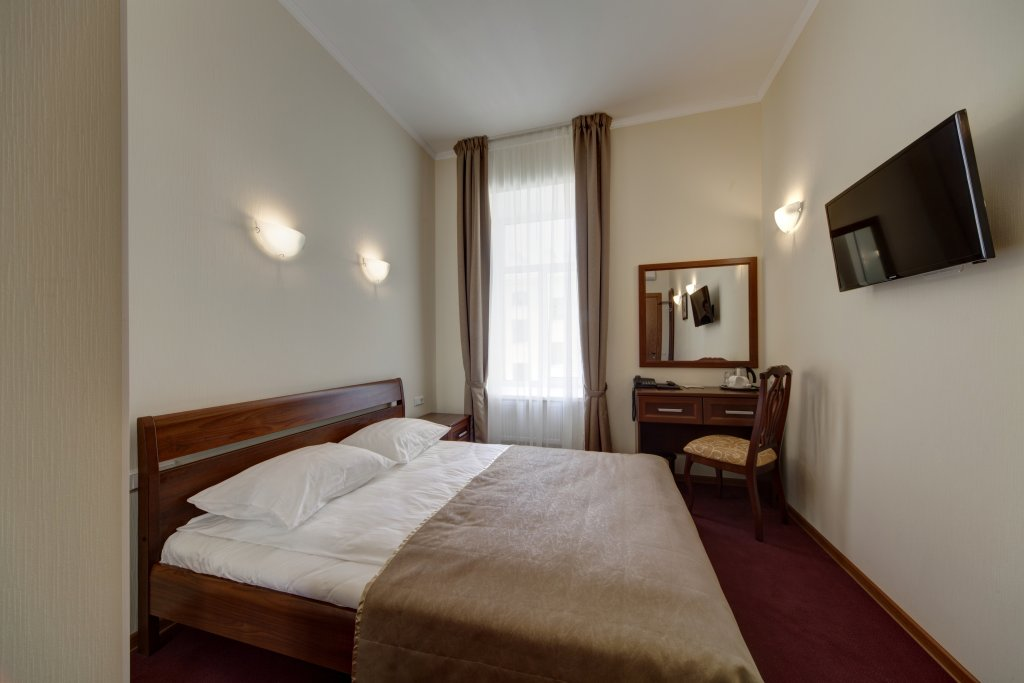 Solo in Nevsky Prospect Guest house