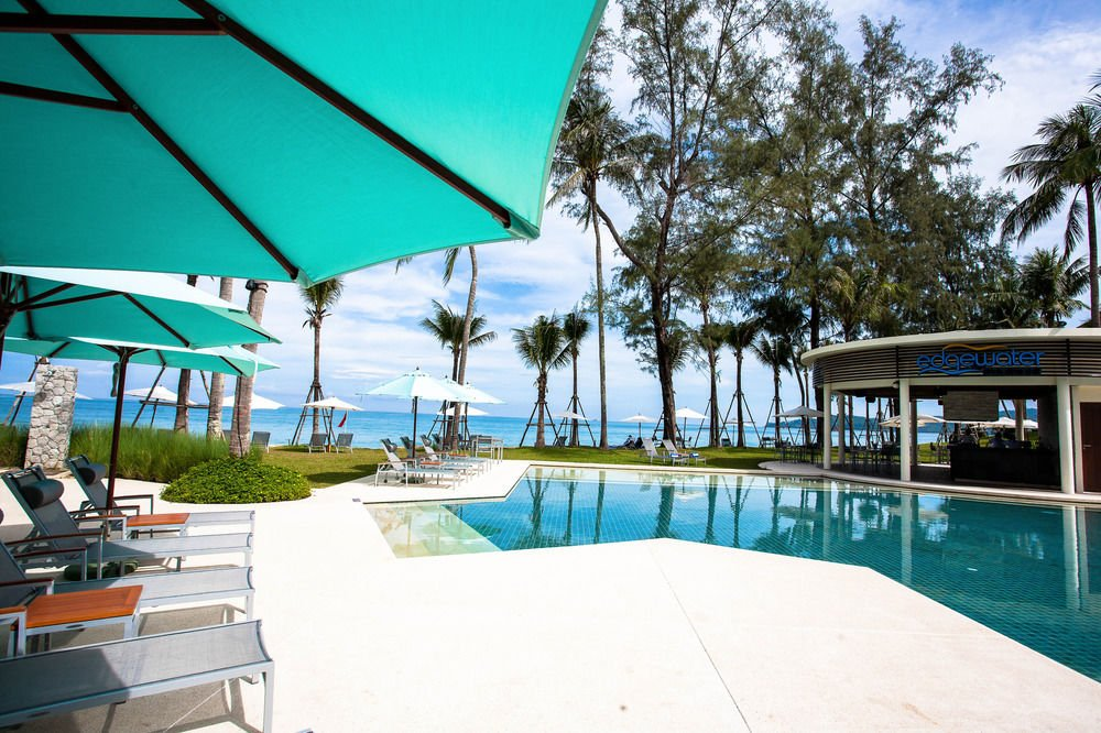 outrigger hotels and resort essay This report is all about four seasons hotels and resorts which opened its first hotel in the four seasons hotels management essay outrigger hotels and resorts.