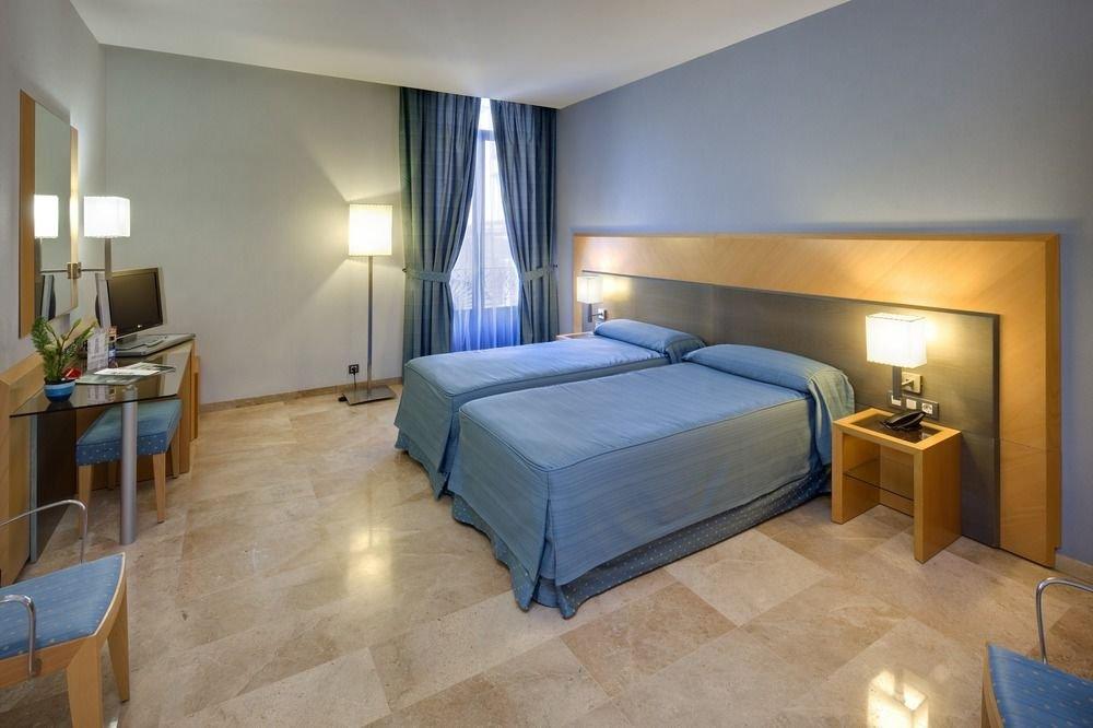 Del Mar Hotel   1702 Coast Blvd, Del Mar, CA, 92014   +1 (619) 755-1534