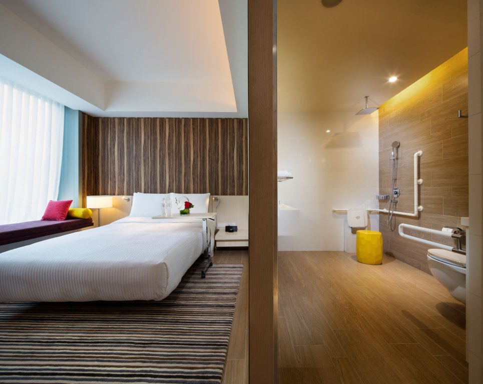 singapore hotel hospitality Located along victoria street village hotel bugis by far east hospitality is a 5-minute walk from bugis mrt singapore flyer is a convenient 5-minute taxi ride awaycable tv channels and teacoffee.
