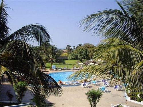 Отель Mansea Beach Hotel and Resort в Серекунде