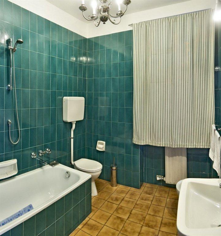 Gira Megaride Guest House