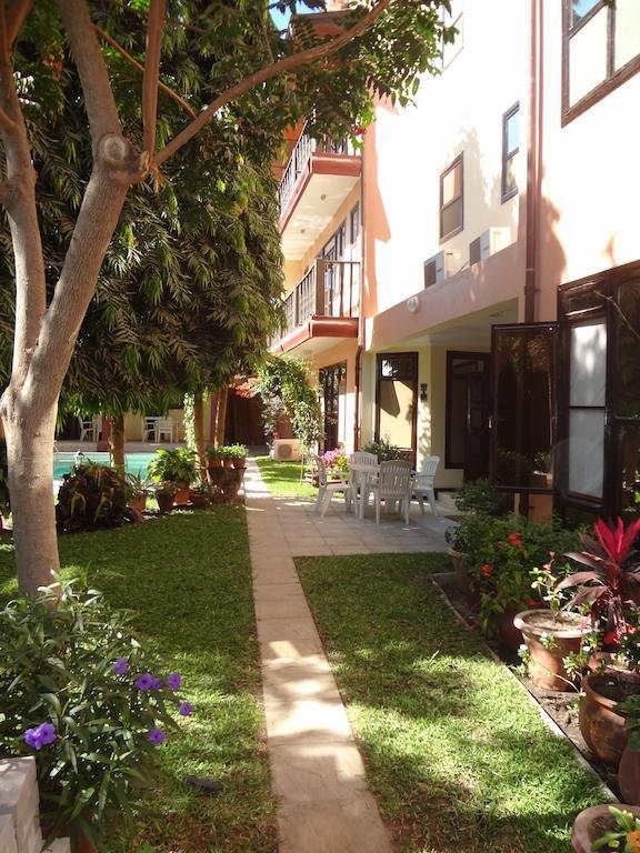 Отель Roc Heights Lodge в Саньян