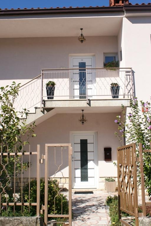 Prices for apartments in Isola del Giglio to the sea
