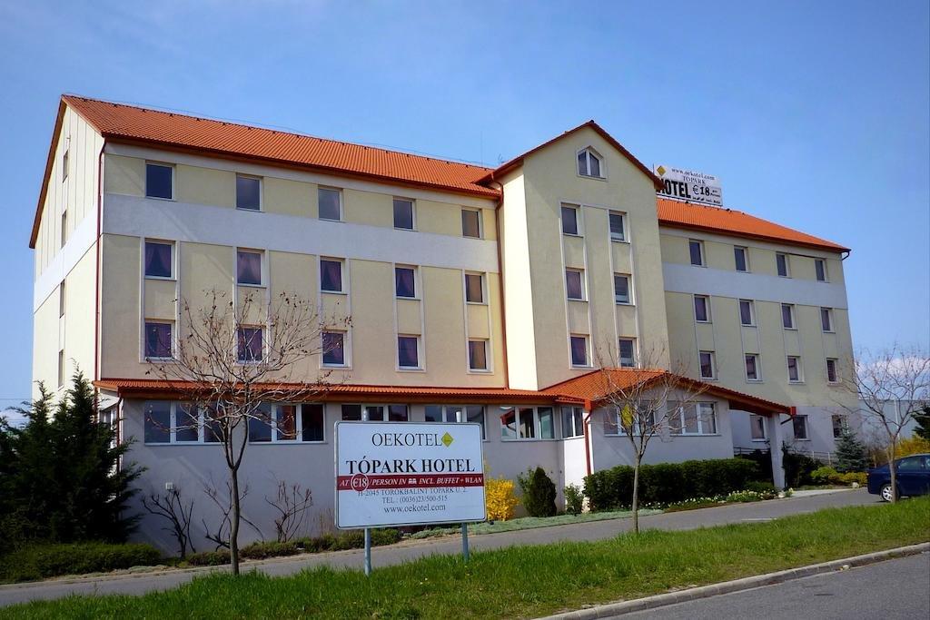 Отель Oekotel Tópark Hotel в Торокбалинте
