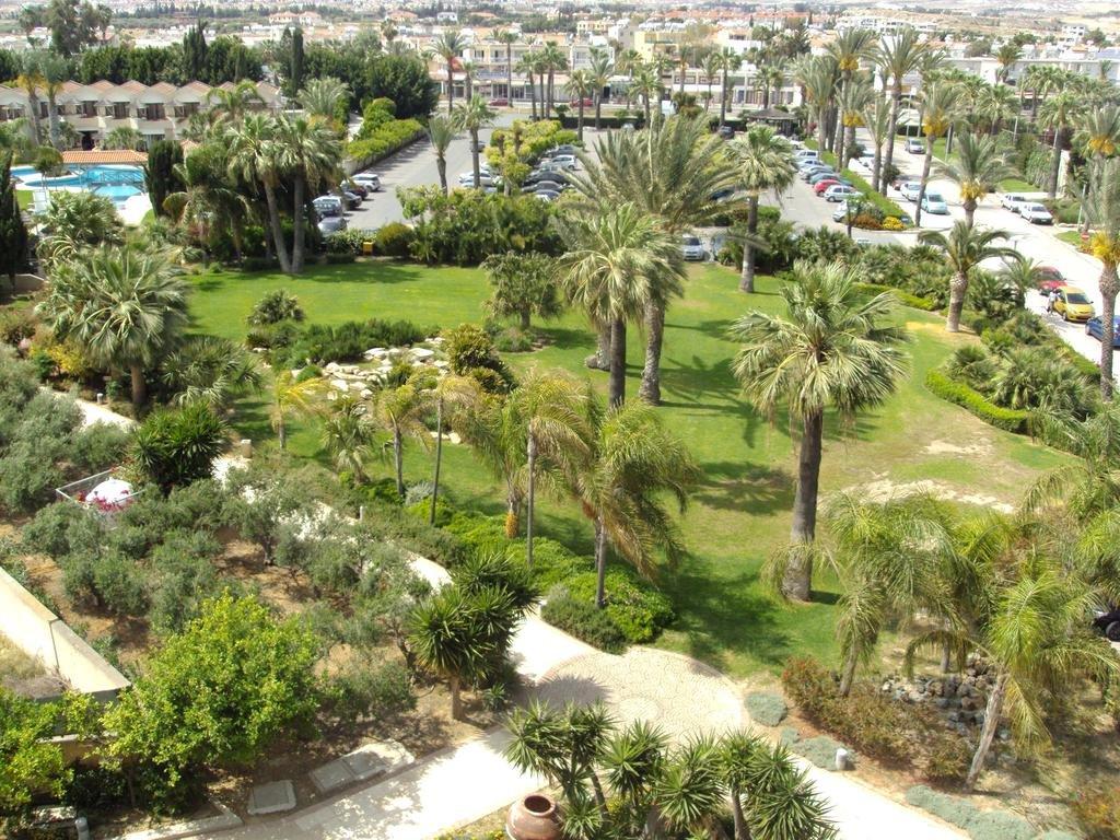 Palm beach hotel bungalows 4 ларнака