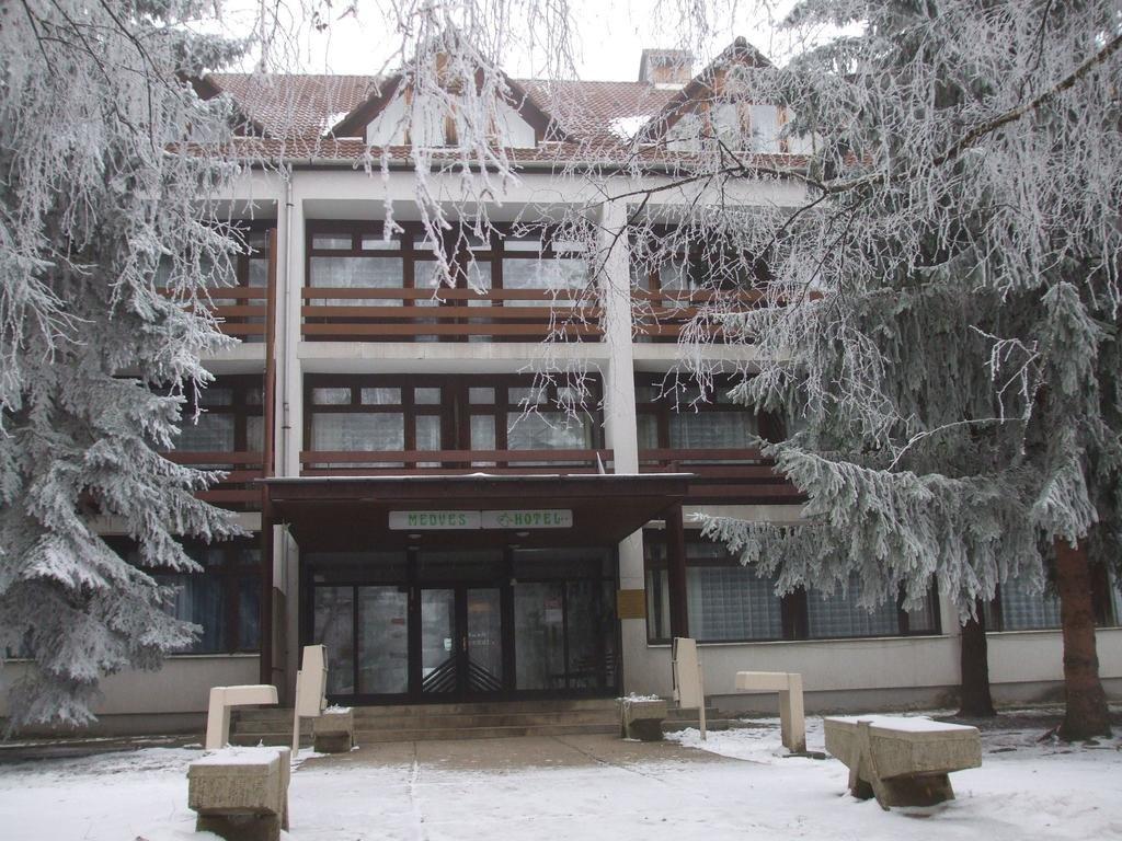 Отель Medves Hangulatszallo в Гаятете