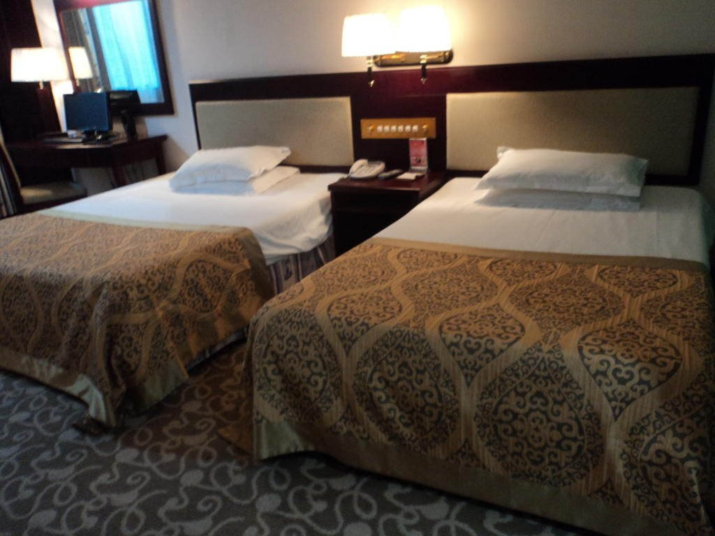 accredited deluxe hotels for tourism