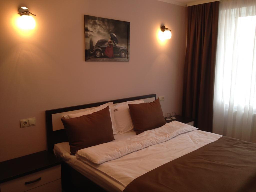 Отель AMBER Hotel & Cafe в Калуше