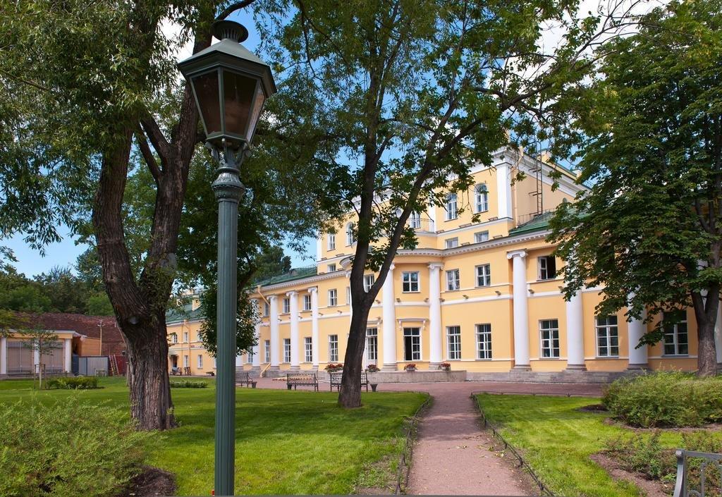 Usadba Derzhavina Hotel