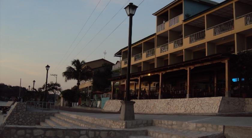Отель Santana во Флоресе